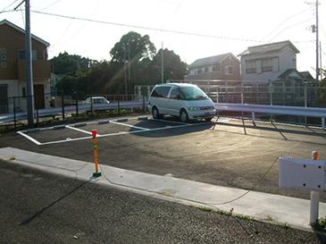 西逸見駐車場